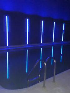Свет в бассейне установить