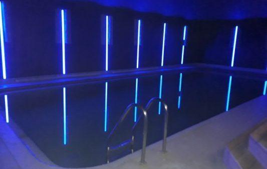 Освещение бассейна в частном доме