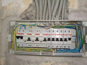 Заменить автомат в электрощите
