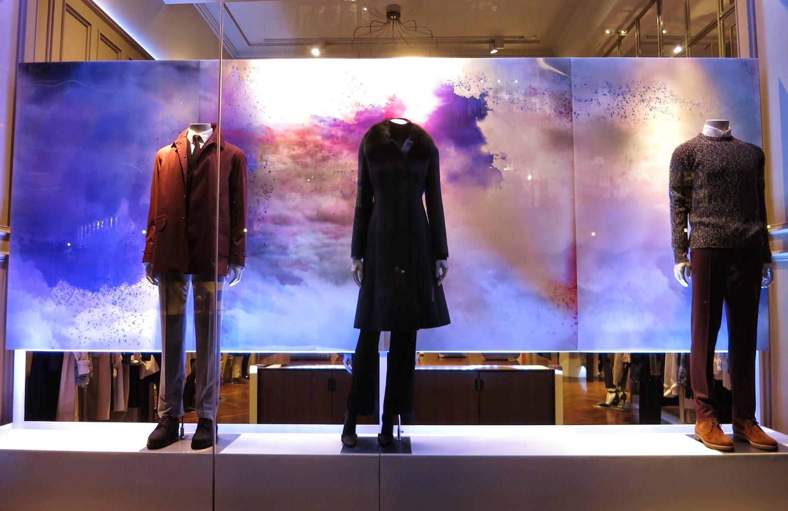 Освещение витрины магазина в СПб