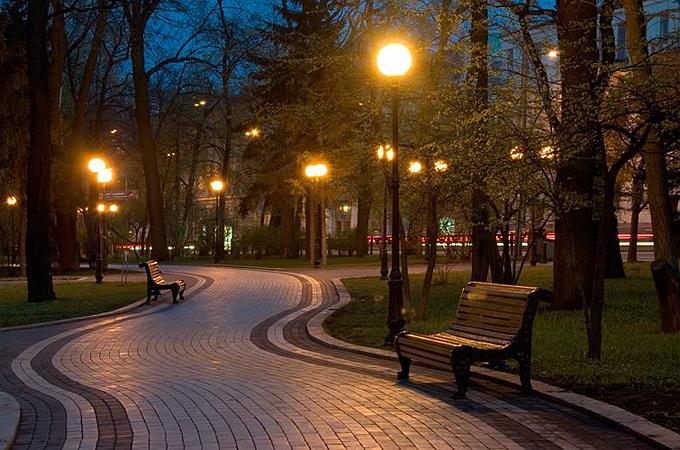 Уличное и парковое освещение