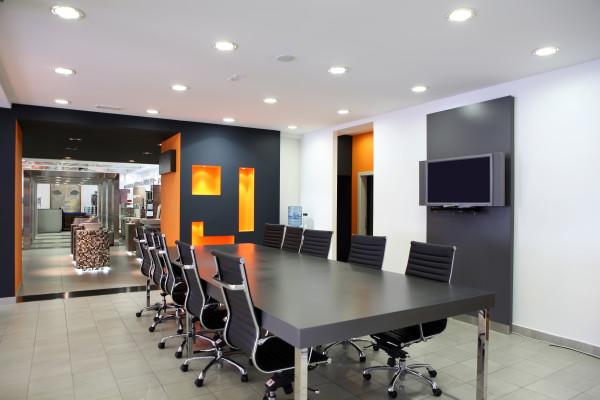 Освещение и электрика в офиса1