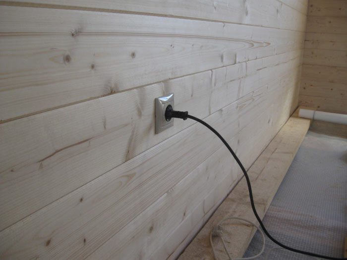 Монтаж скрытой проводки в доме из дерева (брус, каркасный дом)