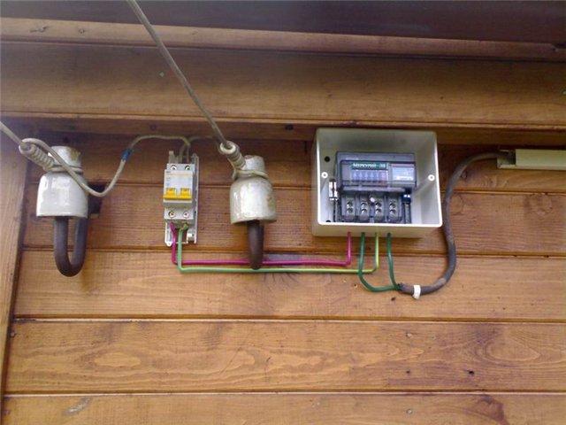 Монтаж электросчетчика в частном доме в СПб