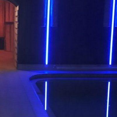 Результат монтажа освещения в бассейне от компании ЛюксЭнергоСервис
