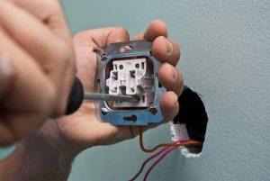 Как заменить неисправный выключатель света самостоятельно