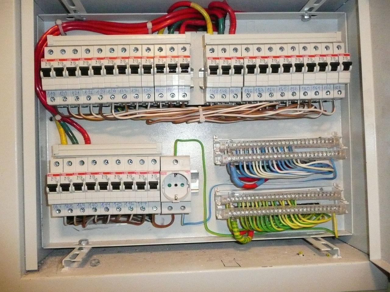 Разводка электрики в загородных домах. Важные нюансы