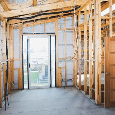 Разводка проводки в загородном доме. Как выполнить?