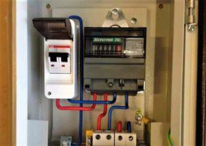 Особенности замены и выбора квартирного электросчетчика