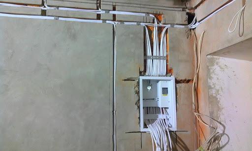 Прокладка скрытой электропроводки